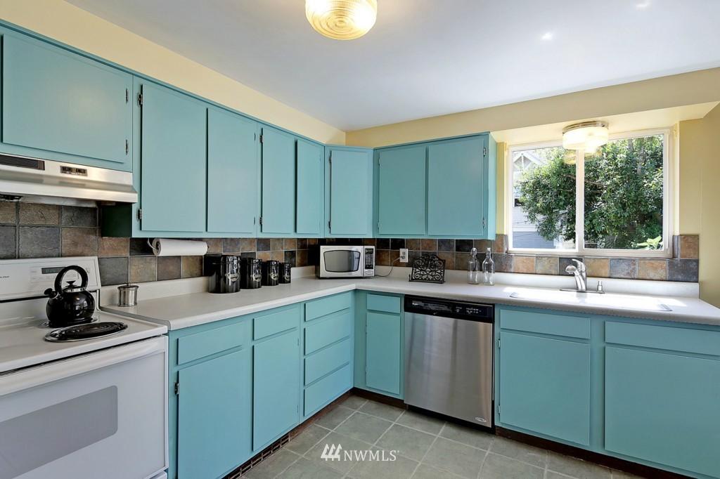 Sold Property | 3053 22nd Avenue W Seattle, WA 98199 5
