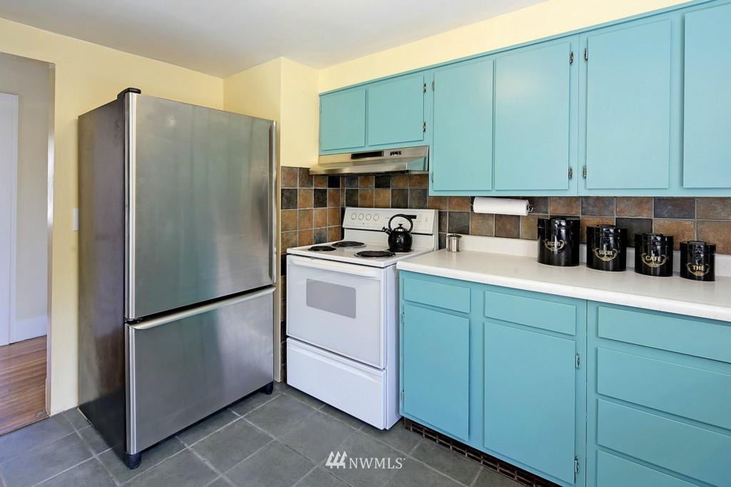 Sold Property | 3053 22nd Avenue W Seattle, WA 98199 6