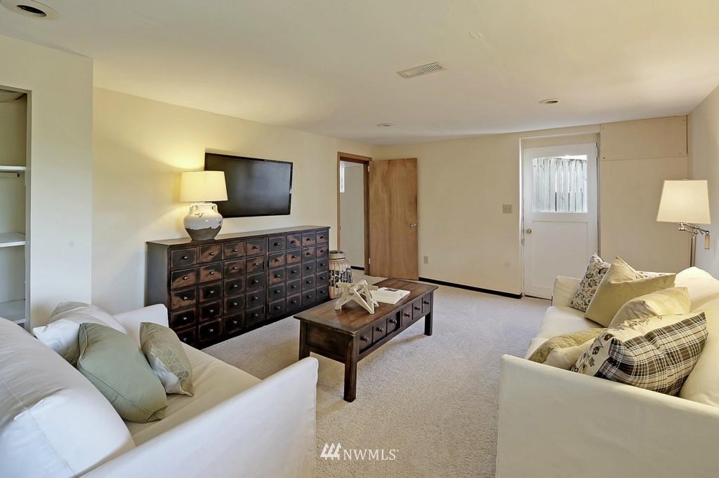 Sold Property | 3053 22nd Avenue W Seattle, WA 98199 10