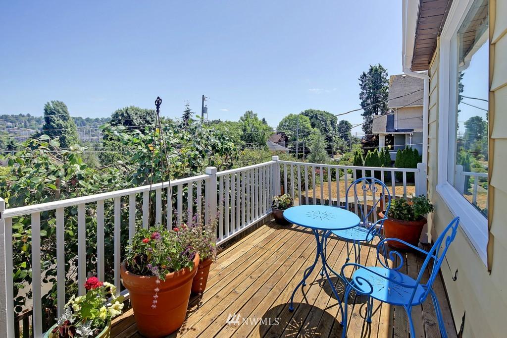 Sold Property | 3053 22nd Avenue W Seattle, WA 98199 16
