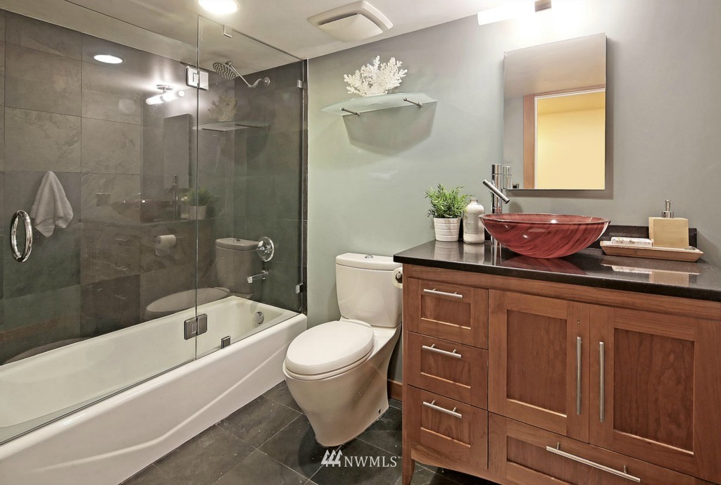 Sold Property | 8014 20th Avenue NE Seattle, WA 98115 16