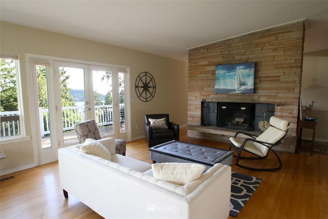 Sold Property | 5508 NE 180th Street Lake Forest Park, WA 98155 2