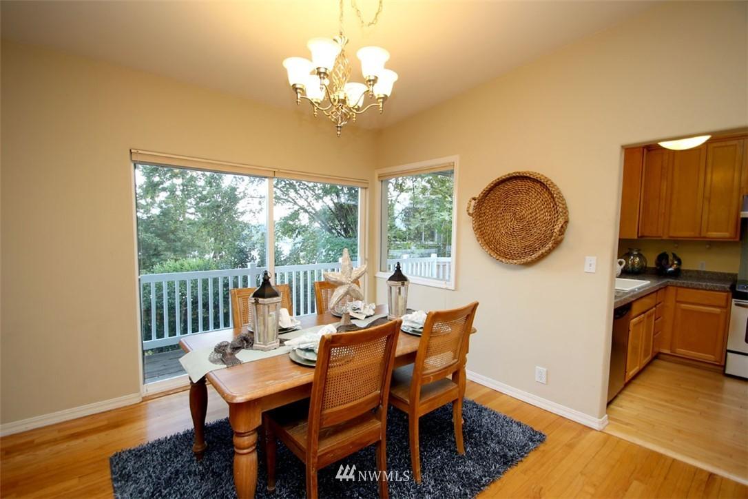 Sold Property | 5508 NE 180th Street Lake Forest Park, WA 98155 3
