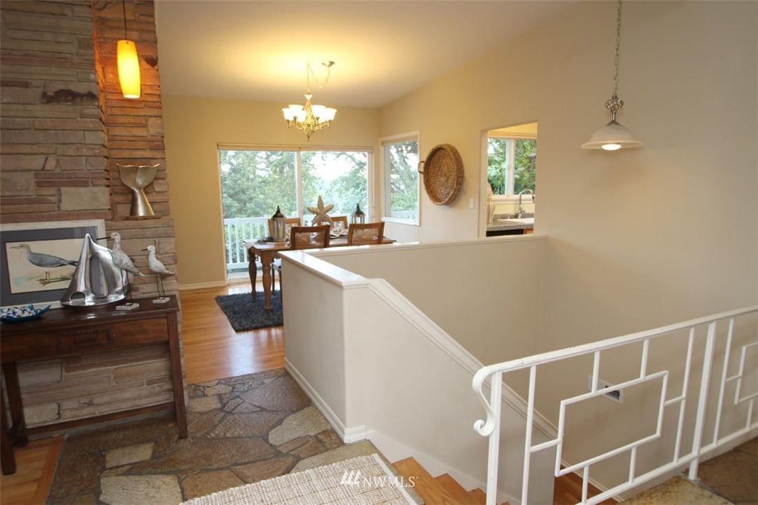 Sold Property | 5508 NE 180th Street Lake Forest Park, WA 98155 5