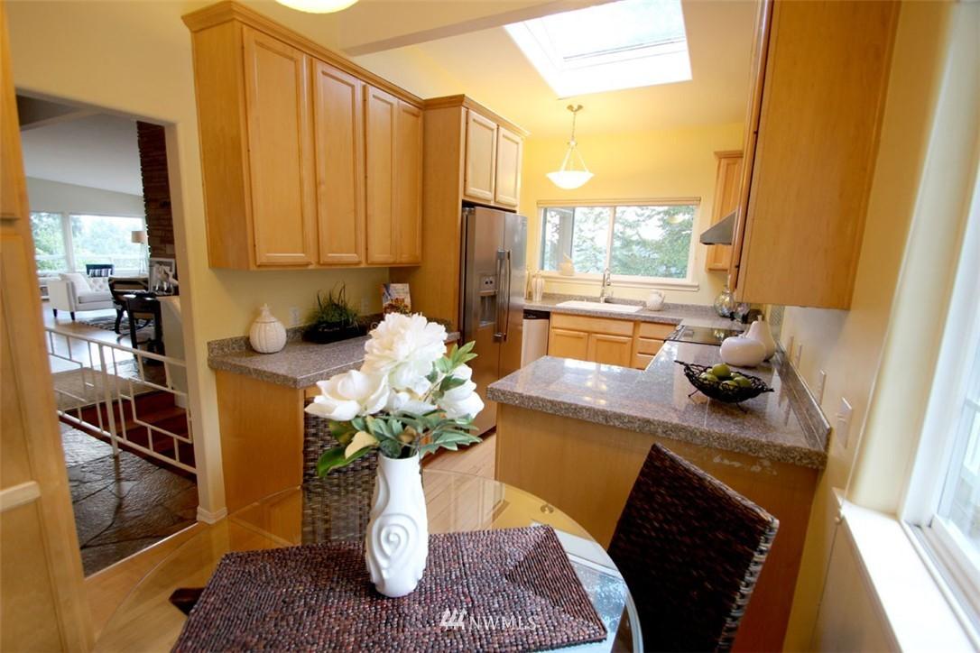 Sold Property | 5508 NE 180th Street Lake Forest Park, WA 98155 7