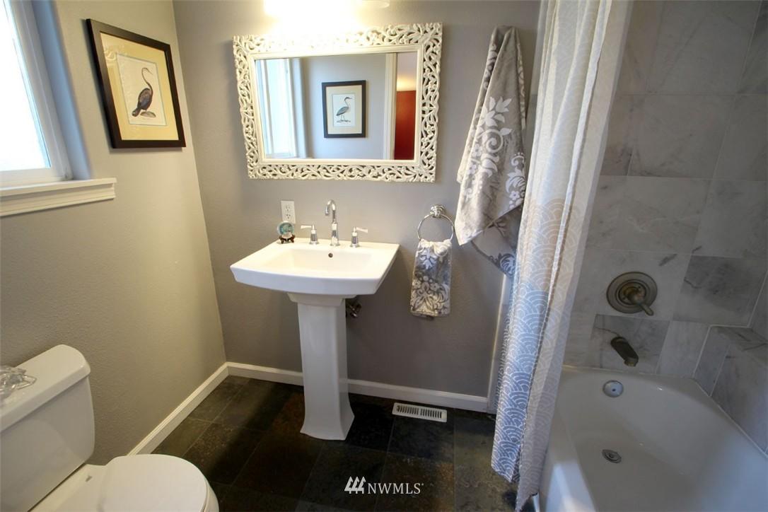 Sold Property | 5508 NE 180th Street Lake Forest Park, WA 98155 10