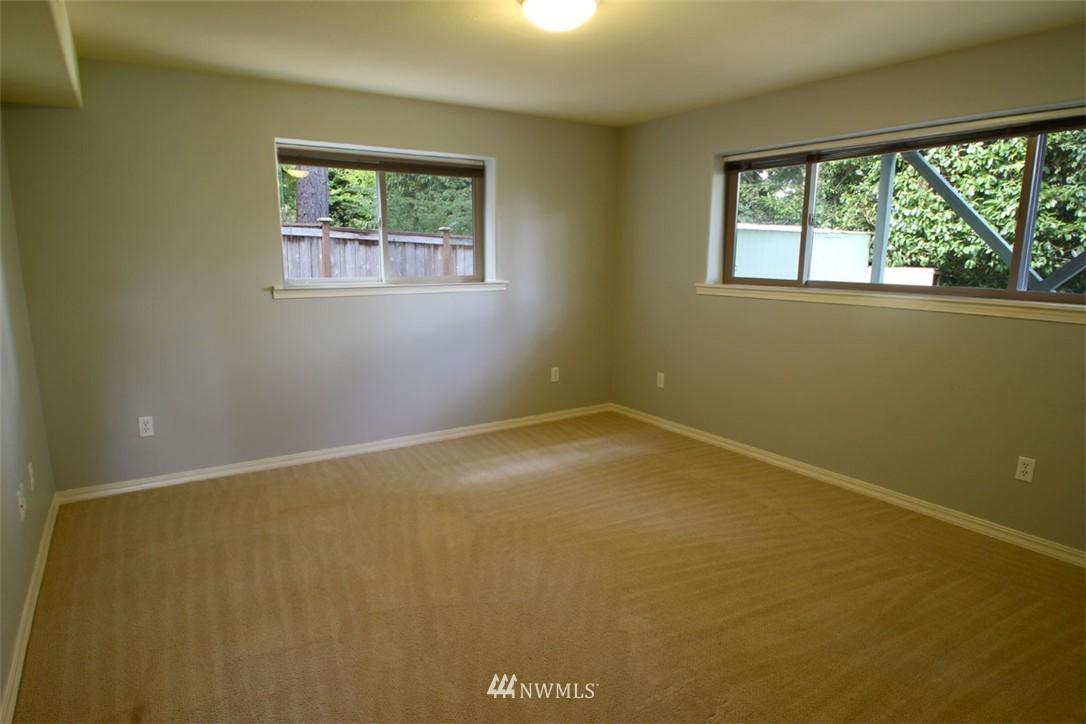 Sold Property | 5508 NE 180th Street Lake Forest Park, WA 98155 18