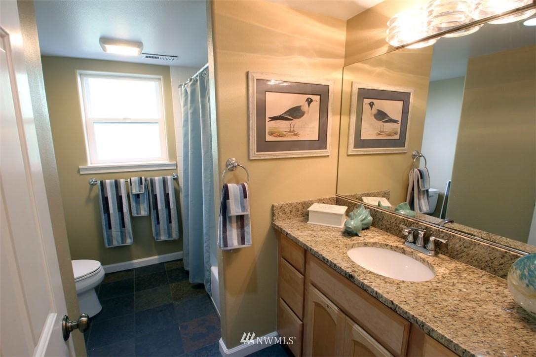 Sold Property | 5508 NE 180th Street Lake Forest Park, WA 98155 19