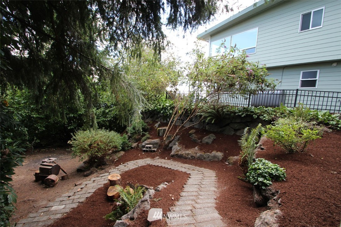 Sold Property | 5508 NE 180th Street Lake Forest Park, WA 98155 22
