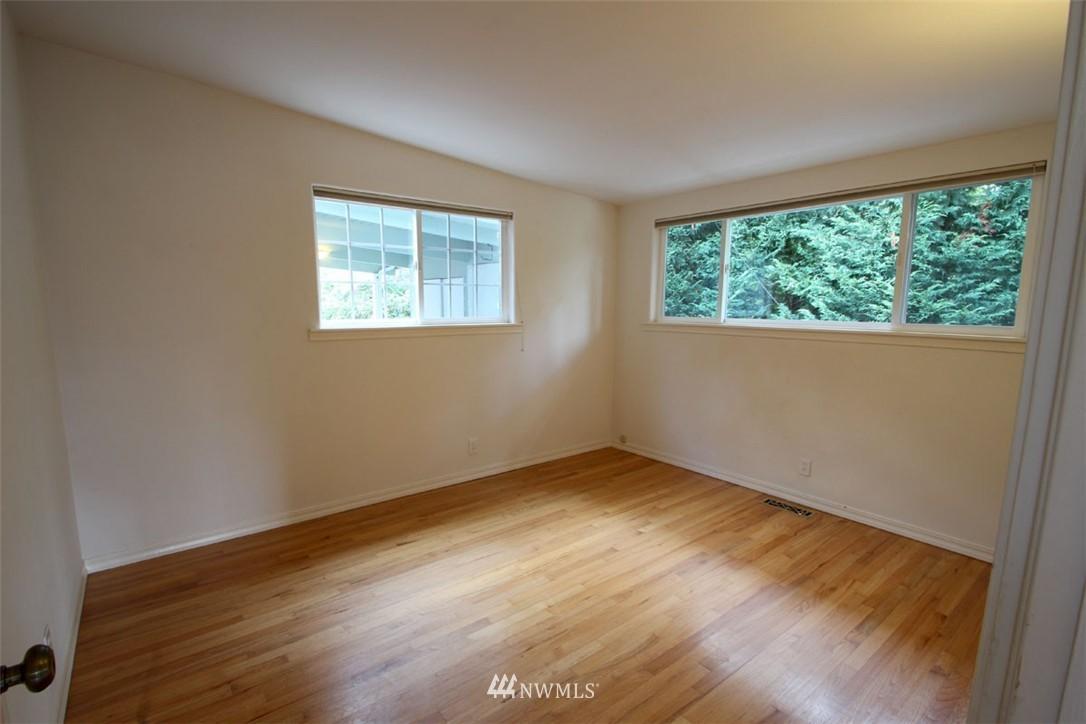 Sold Property | 5508 NE 180th Street Lake Forest Park, WA 98155 11