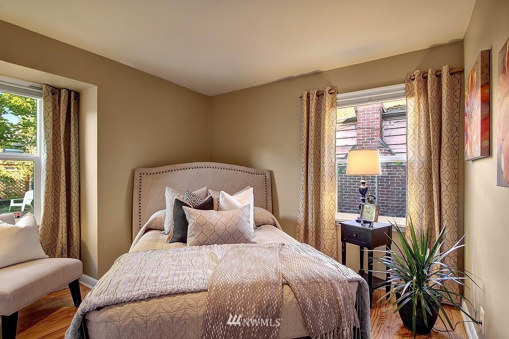 Sold Property | 326 N 103rd Street Seattle, WA 98133 7