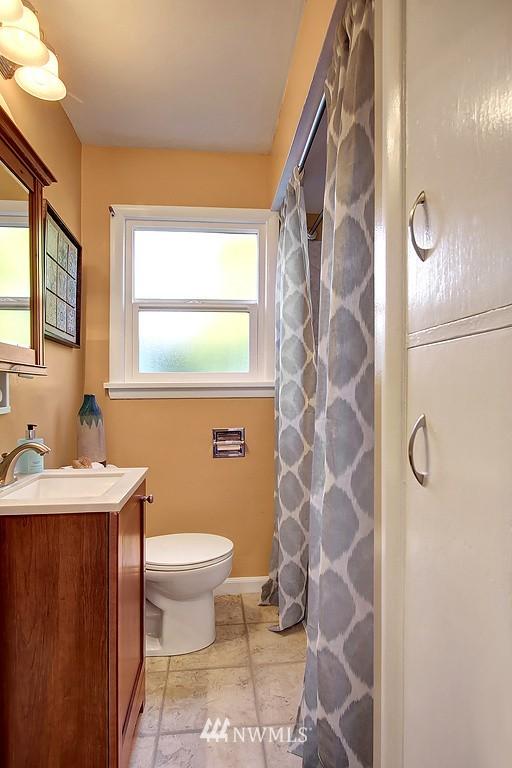 Sold Property | 326 N 103rd Street Seattle, WA 98133 6