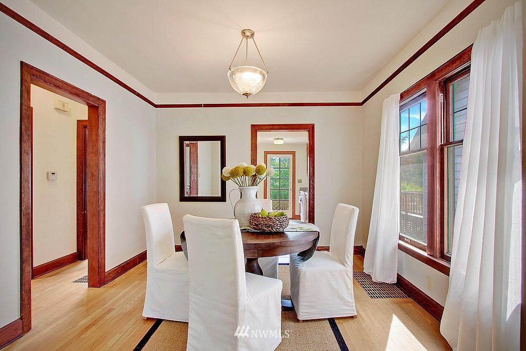 Sold Property | 837 NE 56th Street Seattle, WA 98105 3