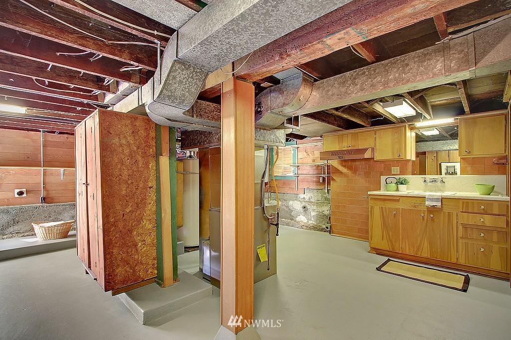 Sold Property | 837 NE 56th Street Seattle, WA 98105 11