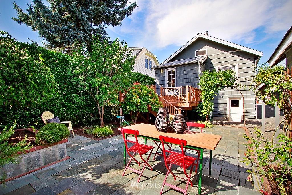 Sold Property | 837 NE 56th Street Seattle, WA 98105 15