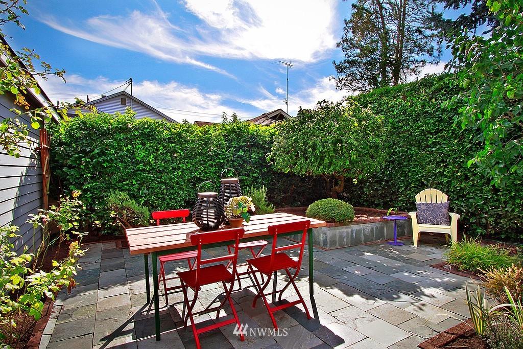 Sold Property | 837 NE 56th Street Seattle, WA 98105 16