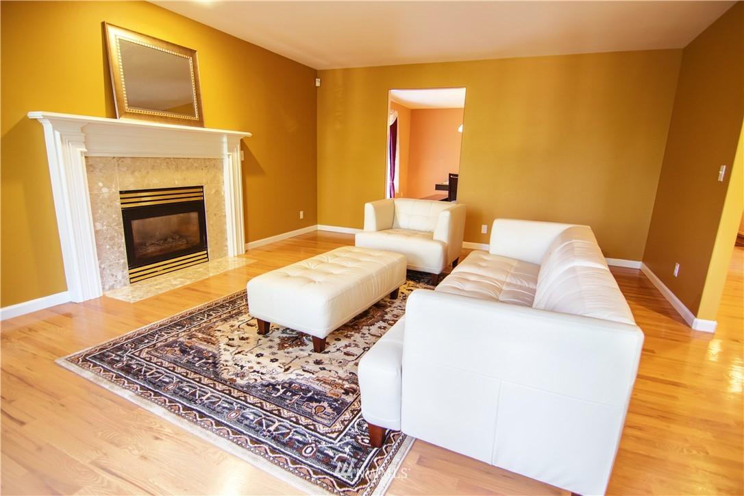 Sold Property | 19207 Firlands Way N Shoreline, WA 98133 4