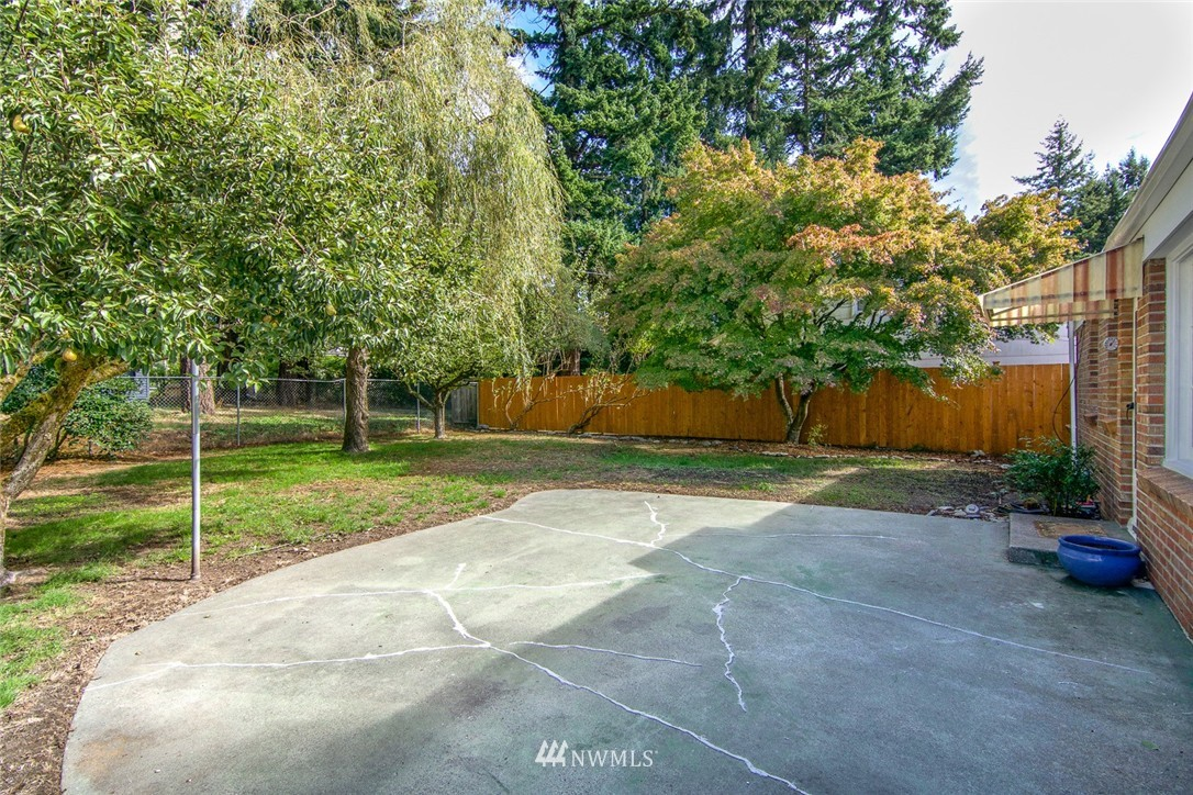 Sold Property | 322 N 148th Street Seattle, WA 98177 18