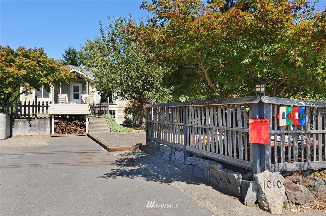 Sold Property | 1010 NE 89th Street Seattle, WA 98115 1