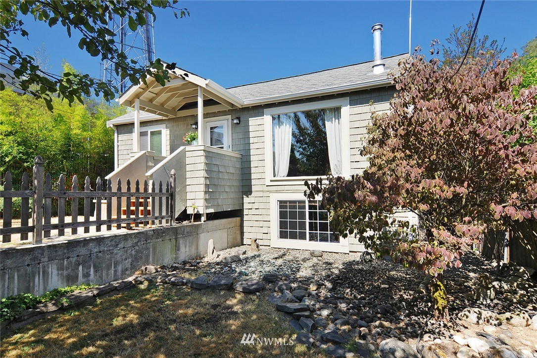 Sold Property | 1010 NE 89th Street Seattle, WA 98115 0