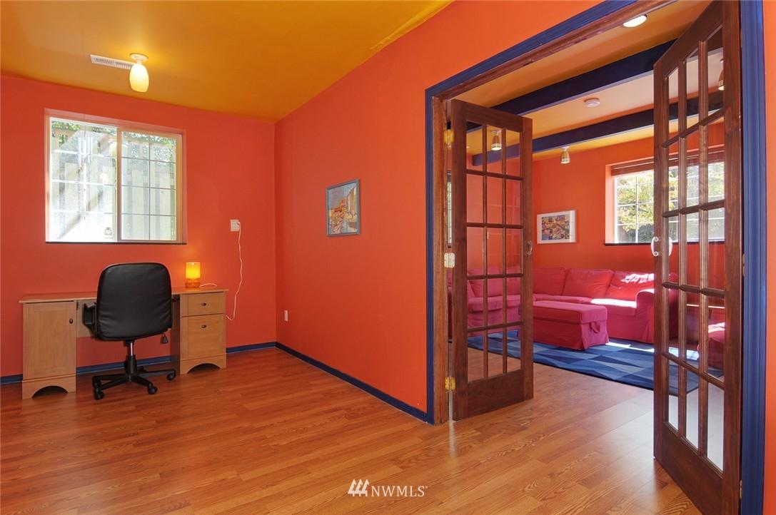 Sold Property | 1010 NE 89th Street Seattle, WA 98115 10