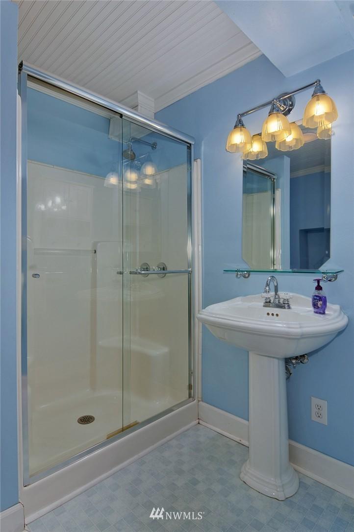 Sold Property | 1010 NE 89th Street Seattle, WA 98115 14