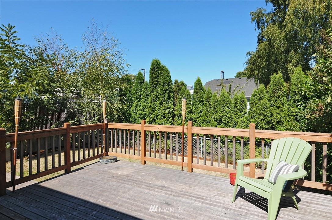 Sold Property | 1010 NE 89th Street Seattle, WA 98115 16