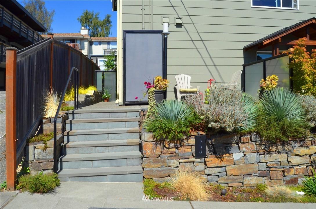 Sold Property | 558 Highland Drive Seattle, WA 98109 2