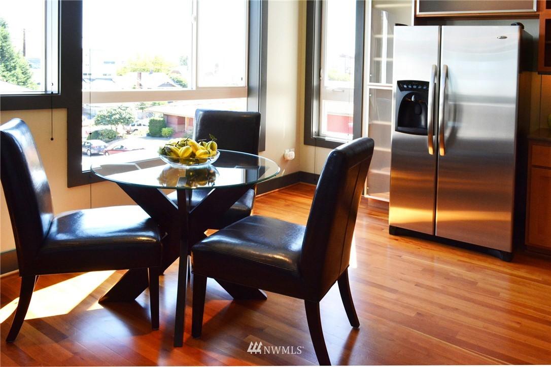 Sold Property | 558 Highland Drive Seattle, WA 98109 6