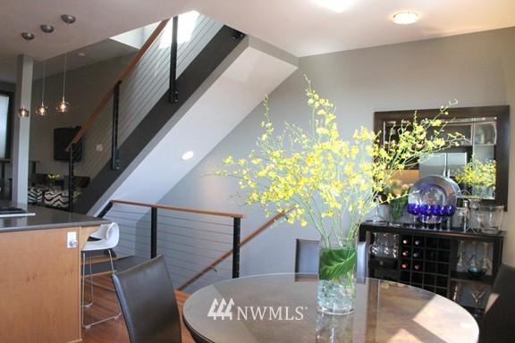 Sold Property | 558 Highland Drive Seattle, WA 98109 8