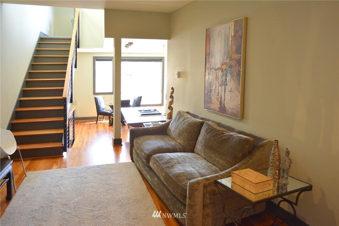 Sold Property | 558 Highland Drive Seattle, WA 98109 10