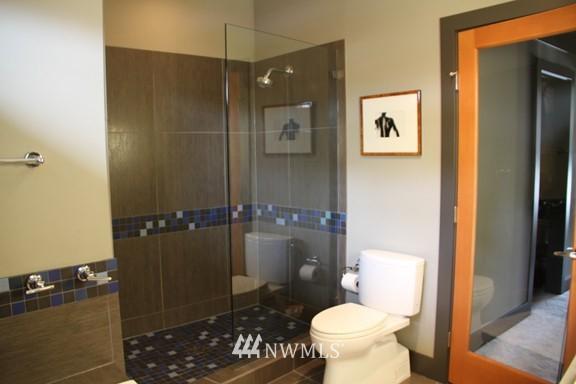 Sold Property | 558 Highland Drive Seattle, WA 98109 19