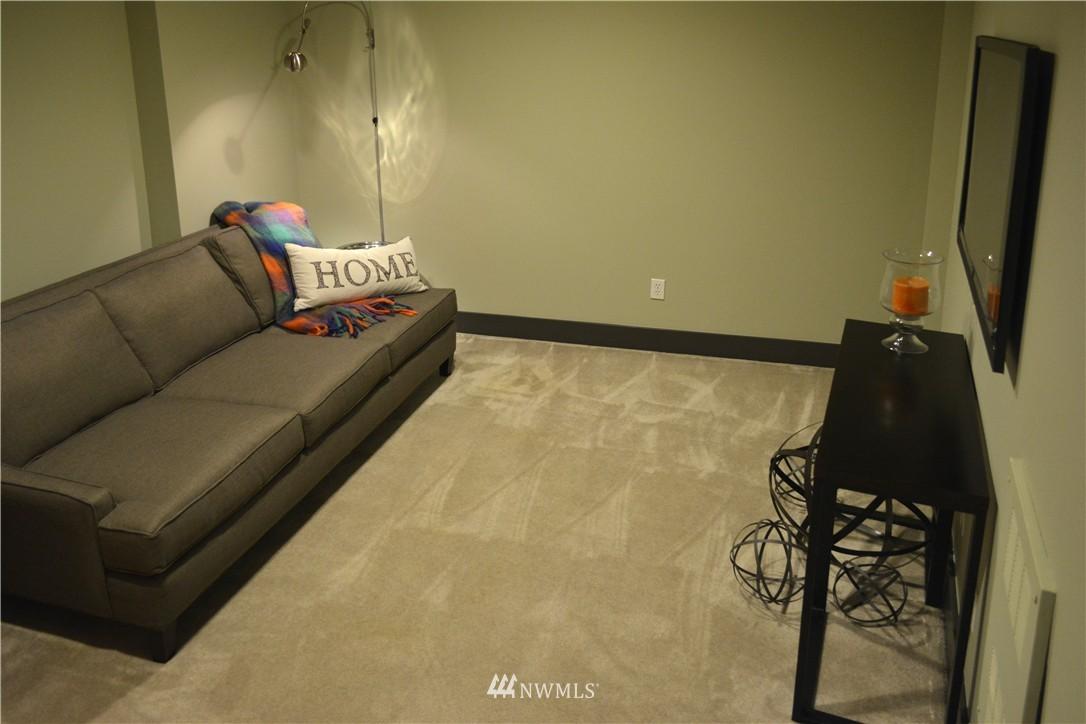 Sold Property | 558 Highland Drive Seattle, WA 98109 20
