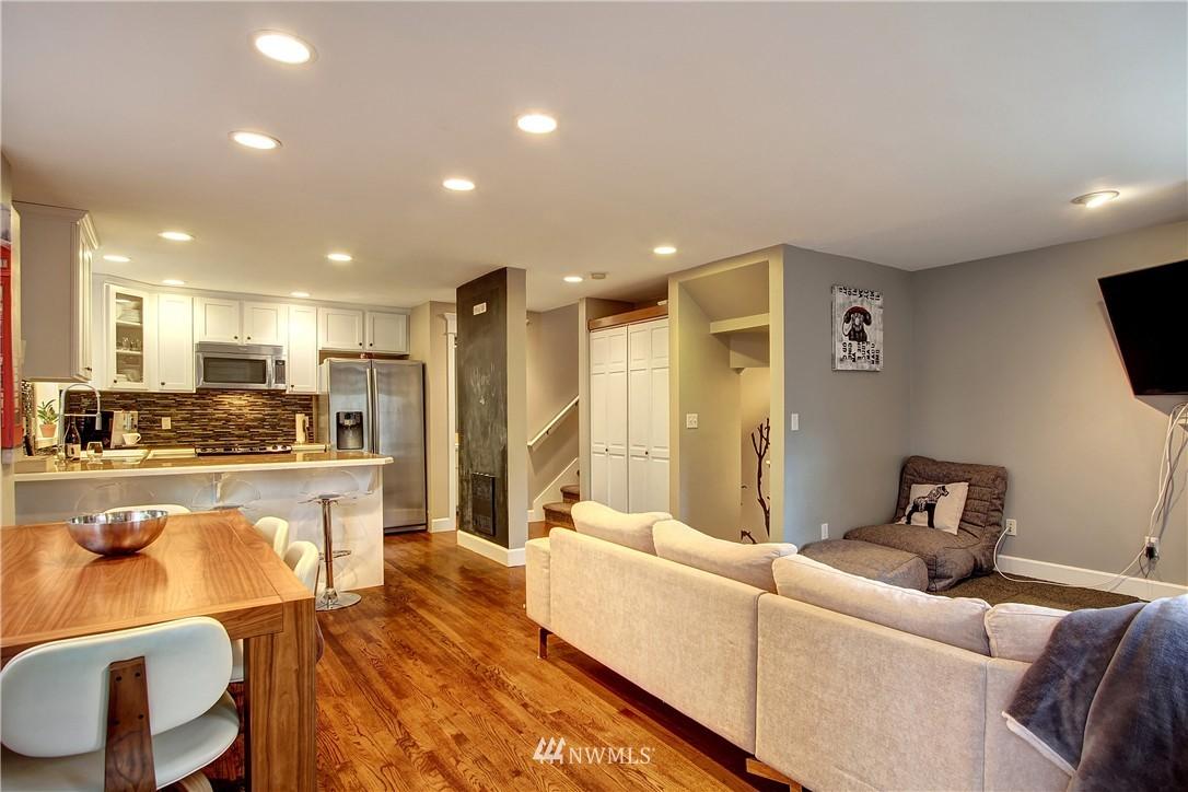 Sold Property | 220 Boston Street Seattle, WA 98109 4