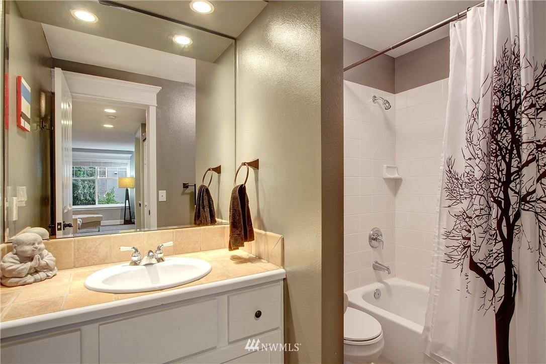 Sold Property | 220 Boston Street Seattle, WA 98109 8