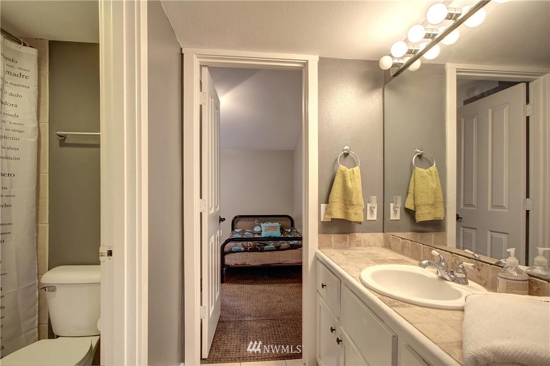 Sold Property | 220 Boston Street Seattle, WA 98109 9