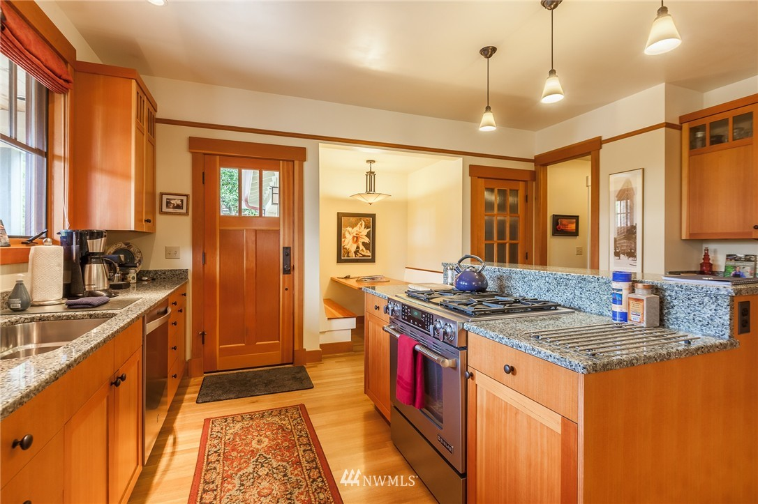 Sold Property   9648 26th Avenue NW Seattle, WA 98117 10