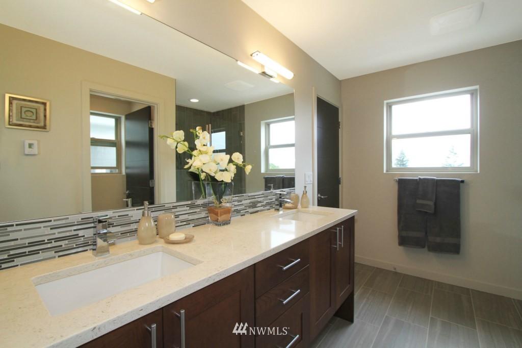 Sold Property | 8297 5th Avenue NE Seattle, WA 98115 10