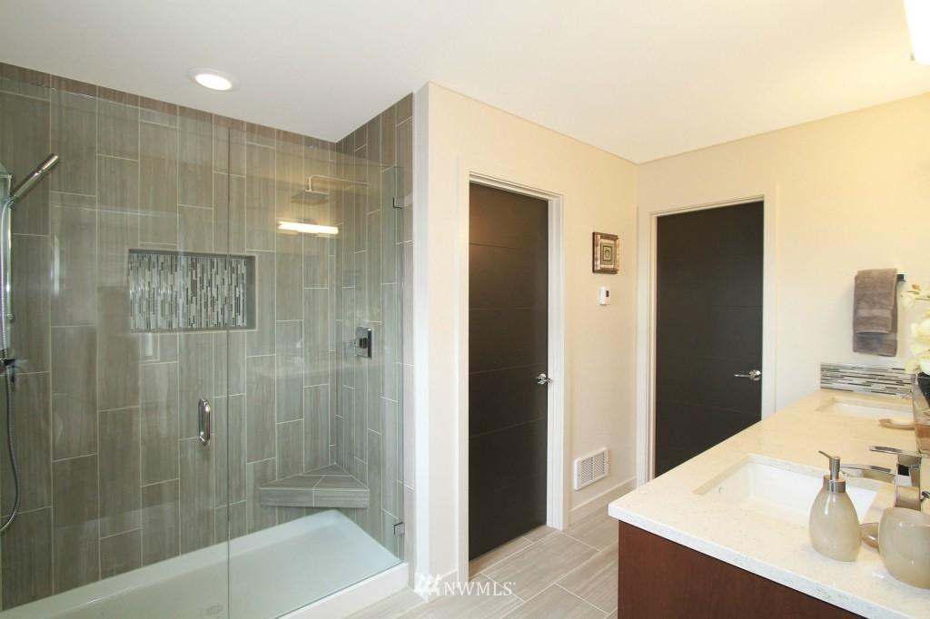 Sold Property | 8297 5th Avenue NE Seattle, WA 98115 11