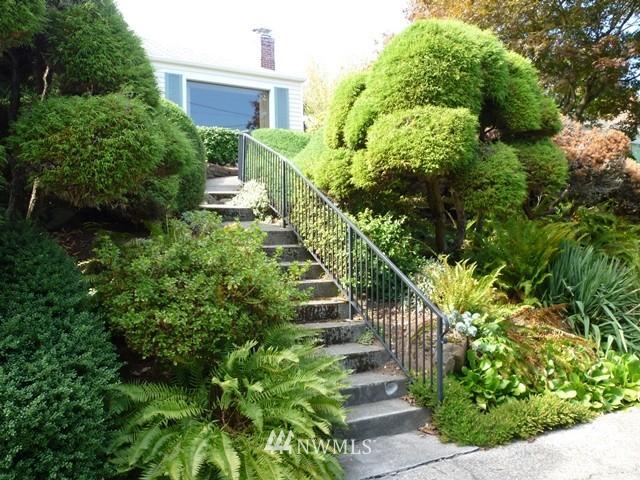 Sold Property | 7345 Ravenna Avenue NE Seattle, WA 98115 1