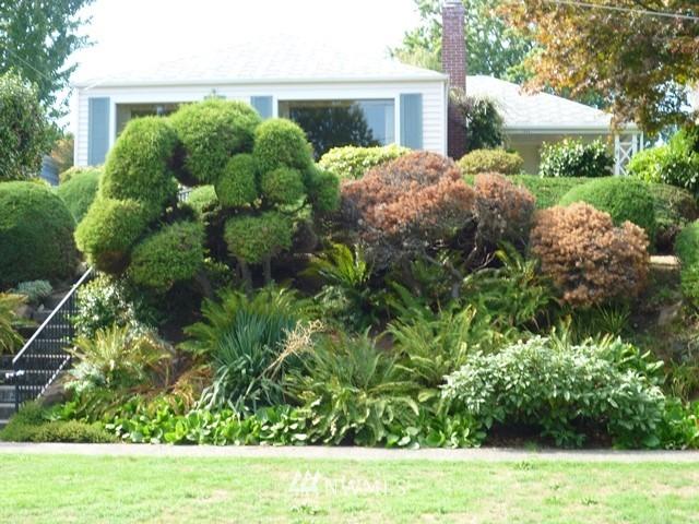 Sold Property | 7345 Ravenna Avenue NE Seattle, WA 98115 2
