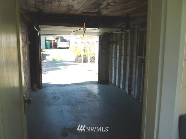 Sold Property | 7345 Ravenna Avenue NE Seattle, WA 98115 4
