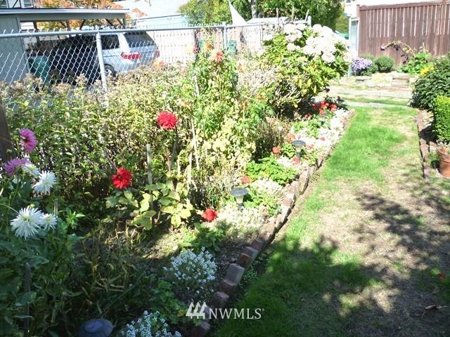 Sold Property | 7345 Ravenna Avenue NE Seattle, WA 98115 8