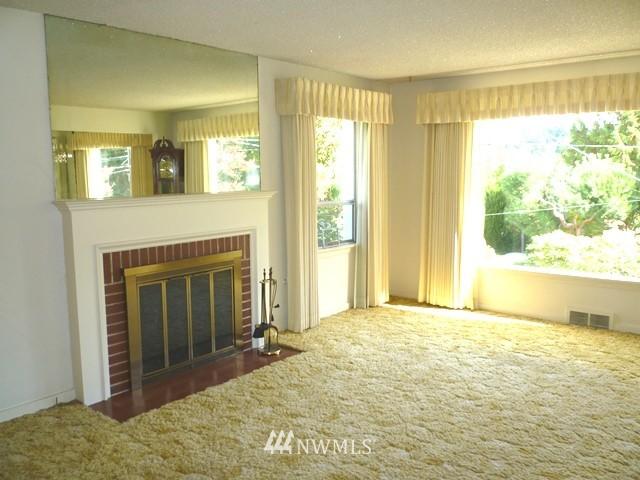 Sold Property | 7345 Ravenna Avenue NE Seattle, WA 98115 12