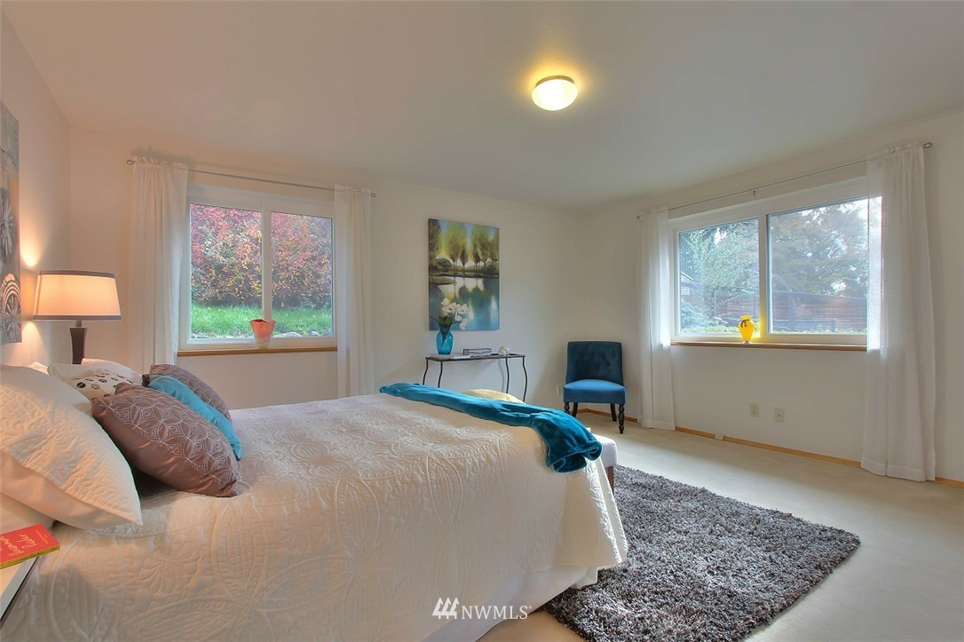 Sold Property   11038 38th Avenue NE Seattle, WA 98125 10