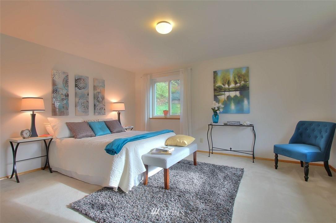 Sold Property   11038 38th Avenue NE Seattle, WA 98125 9