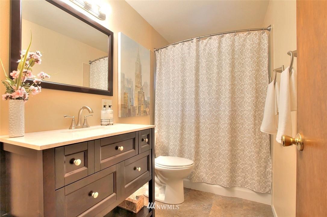 Sold Property   11038 38th Avenue NE Seattle, WA 98125 14