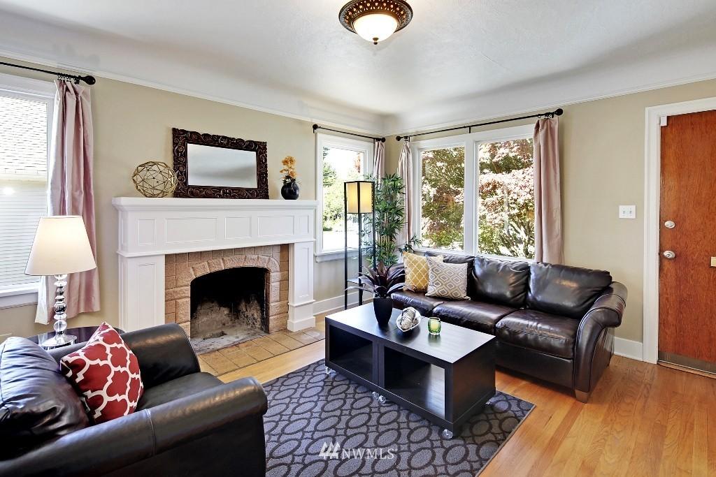 Sold Property   1039 NE 91st Street Seattle, WA 98115 2