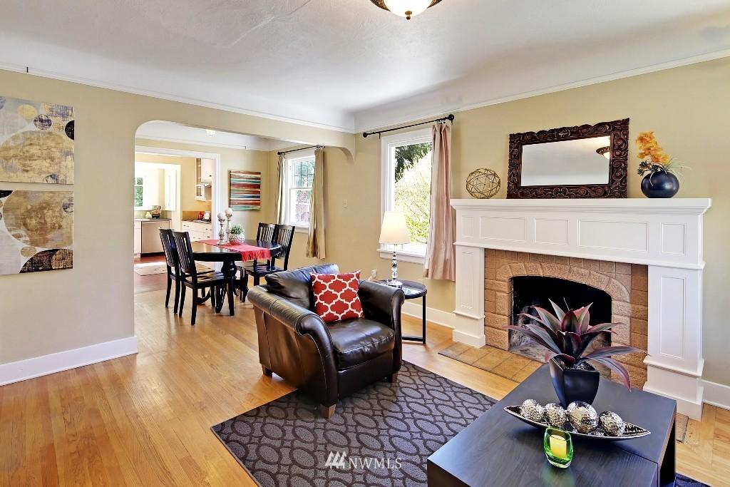 Sold Property   1039 NE 91st Street Seattle, WA 98115 3