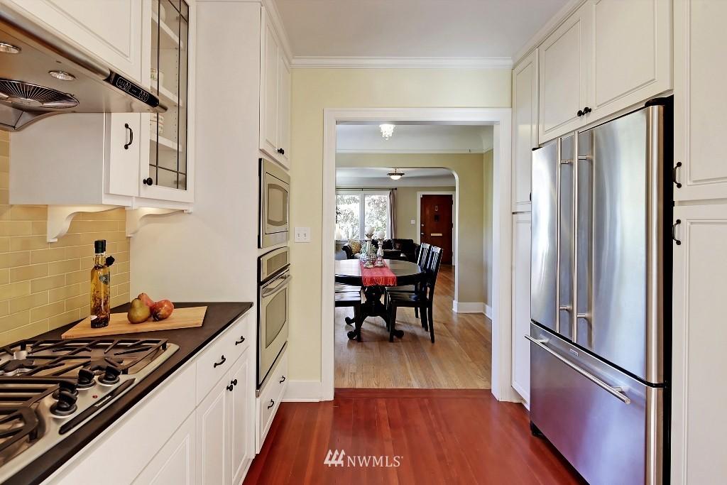 Sold Property   1039 NE 91st Street Seattle, WA 98115 6